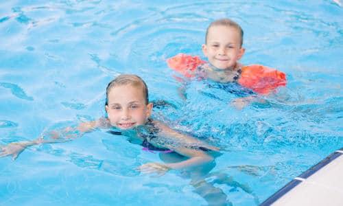 Familiehygge med svømning