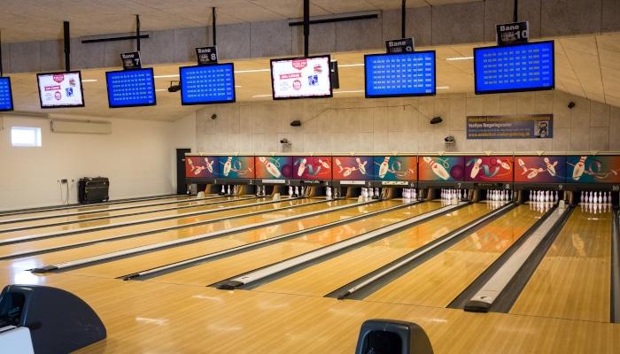 Reklamer i Middelfarts bowlingcenter