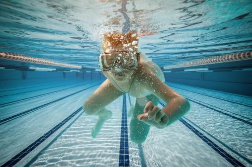 Gå til svømning i Strib Svømmehal
